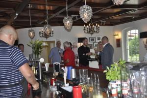 Gäste Annas Eck Cocktailbar